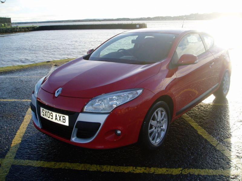 Renault Megane 1.6 16V 3dr image 2