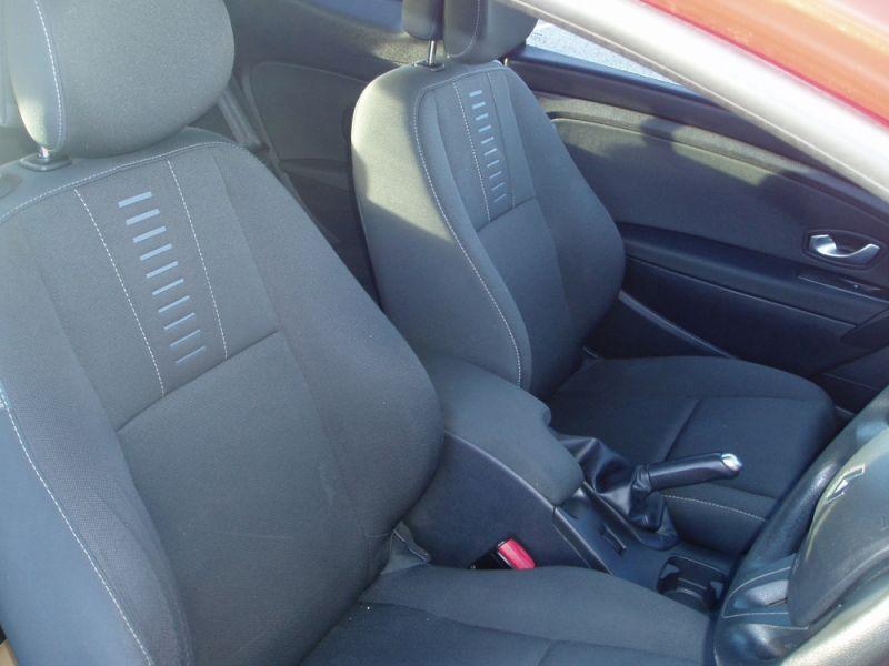 Renault Megane 1.6 16V 3dr image 8