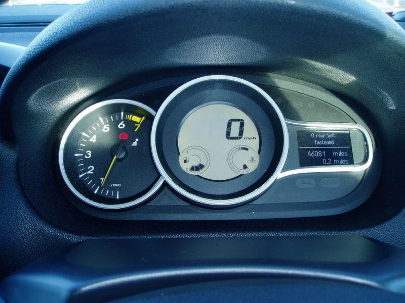 Renault Megane 1.6 16V 3dr image 9