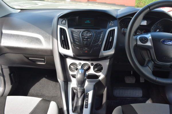 2014 Ford Focus 1.6 Zetec 5dr image 5