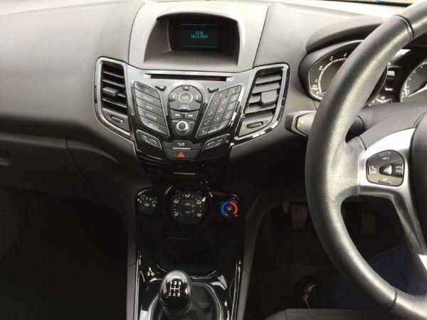 2015 Ford Fiesta 1.2 Zetec 5dr image 7