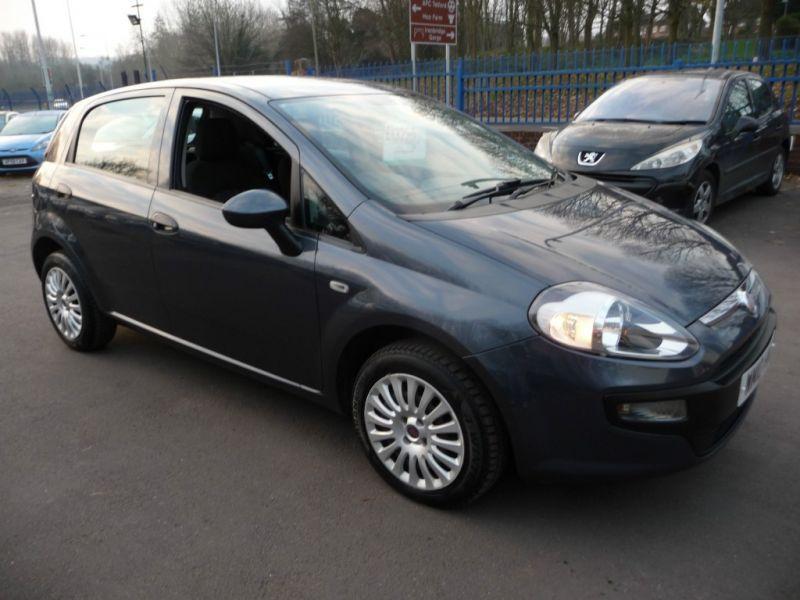 2010 Fiat Punto 1.4 8v 5dr image 1