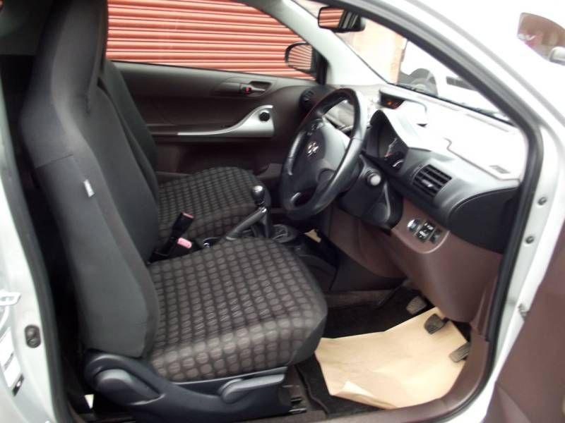 2009 Toyota iQ 1.0 VVT-i 2 3dr image 7