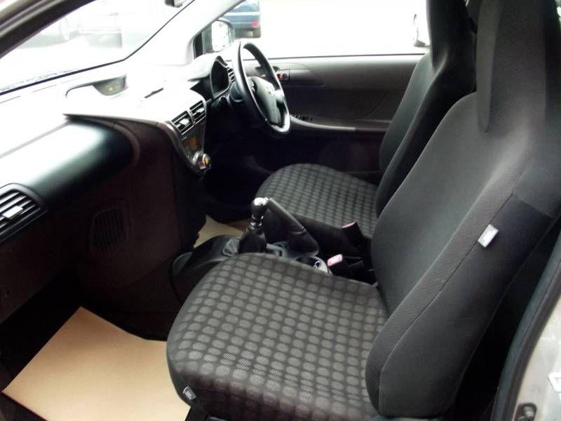 2009 Toyota iQ 1.0 VVT-i 2 3dr image 8
