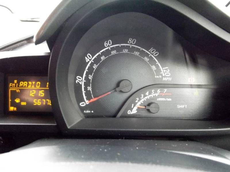 2009 Toyota iQ 1.0 VVT-i 2 3dr image 9