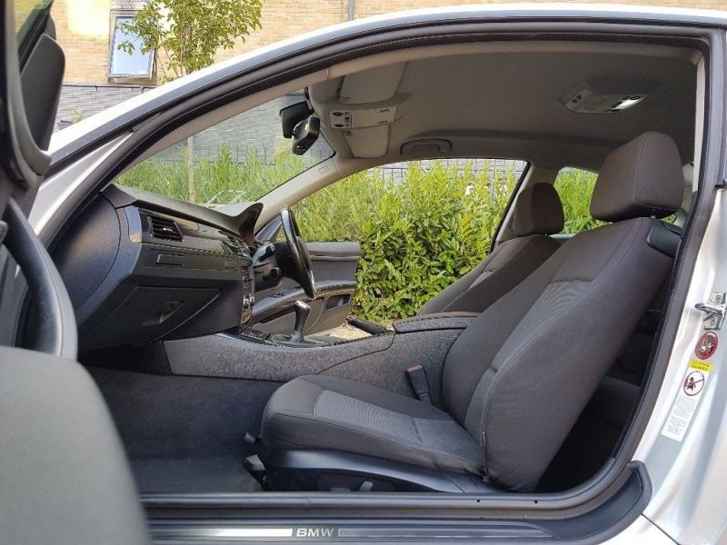 2007 BMW 3 Series 320i SE image 9