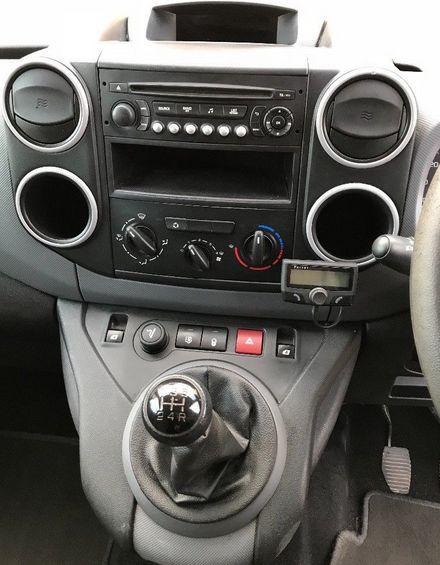 2013 Peugeot Partner image 3