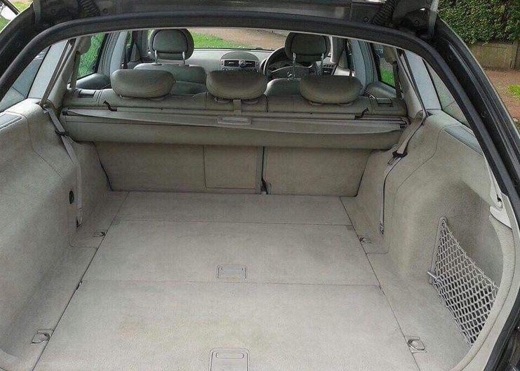 Mercedes E270 Estate image 2