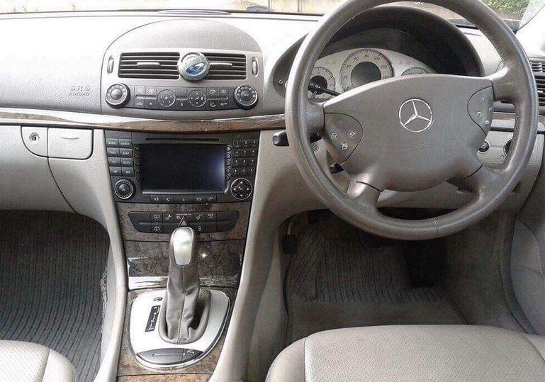 Mercedes E270 Estate image 4