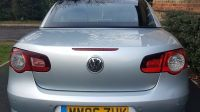2006 Volkswagen EOS 2.0 TDI Sport Cabriolet image 3