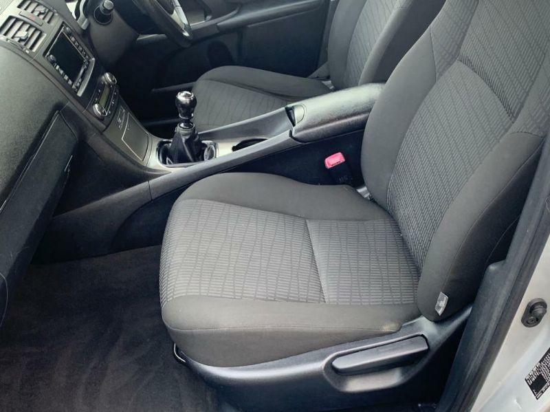 2009 Toyota Avensis image 6