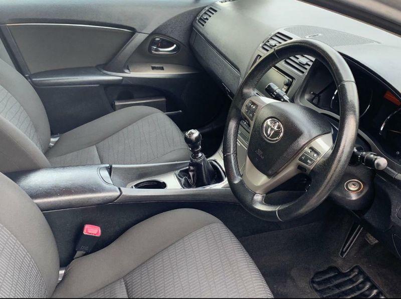 2009 Toyota Avensis image 7