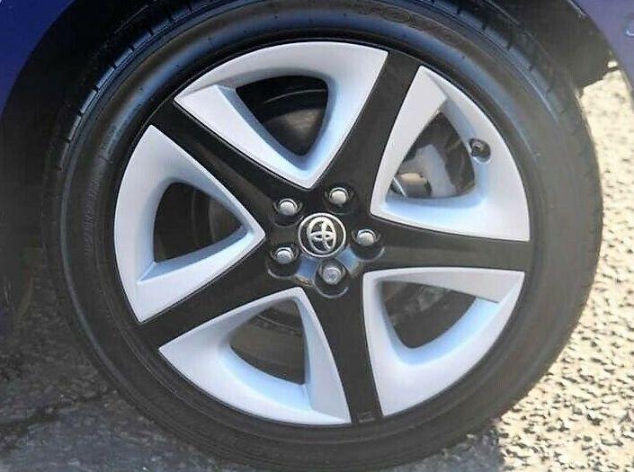 Toyota Prius VVT-i Excel 5DR image 6