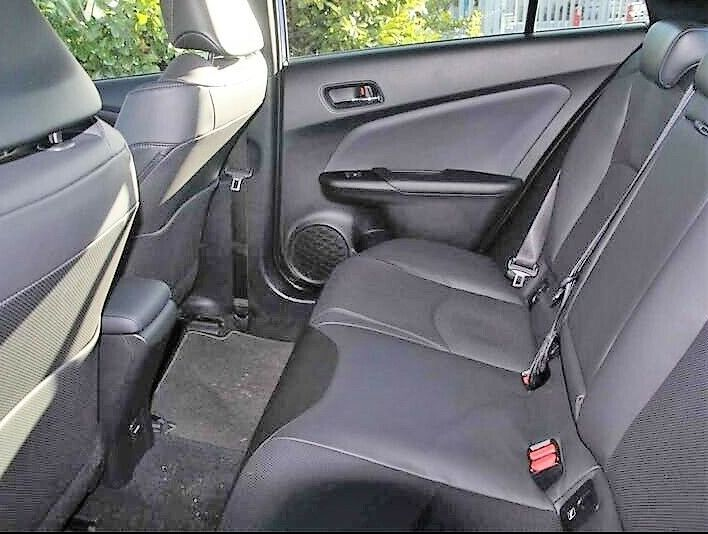 Toyota Prius VVT-i Excel 5DR image 8