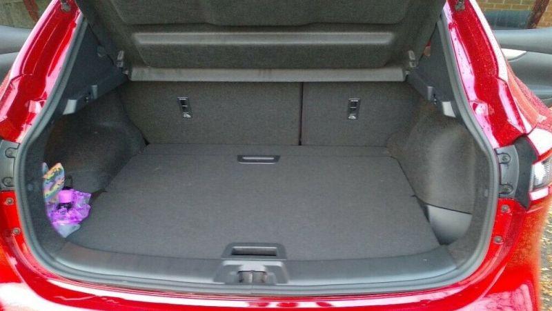 Nissan Qashqai 1.3 DIG-T Tekna+ 5dr image 4