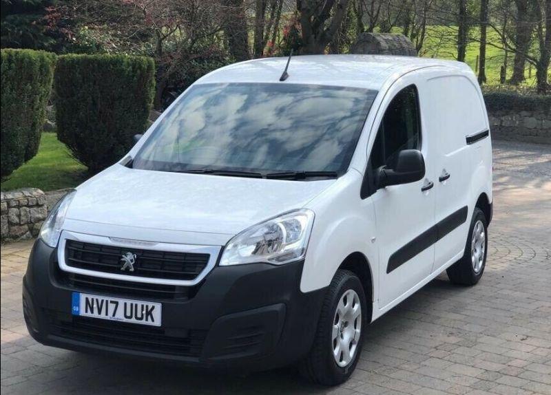 2017 Peugeot Partner image 1