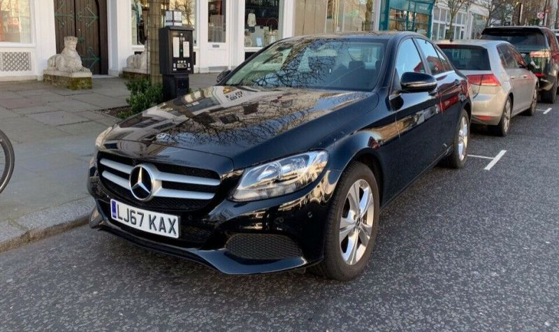Mercedes-Benz C 200d SE - VERY LOW MILEAGE image 1