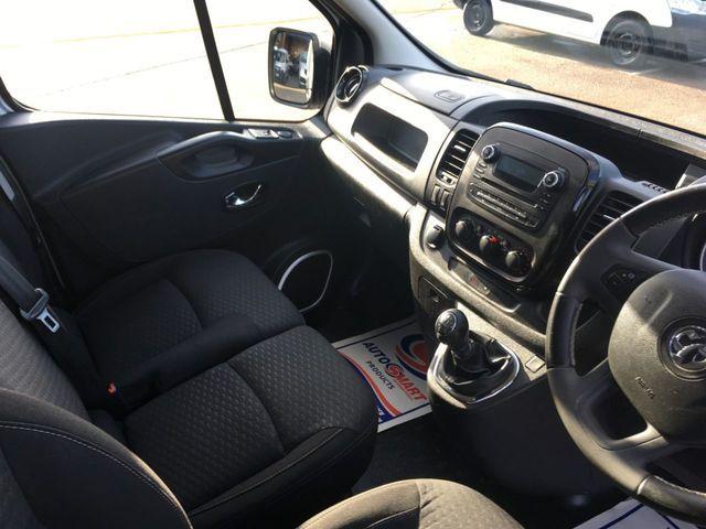2016 Vauxhall Vivaro 1.6 Cdti image 6