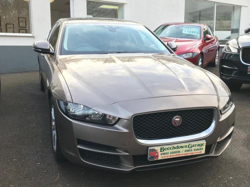 2016 Jaguar XE 2.0 image 1
