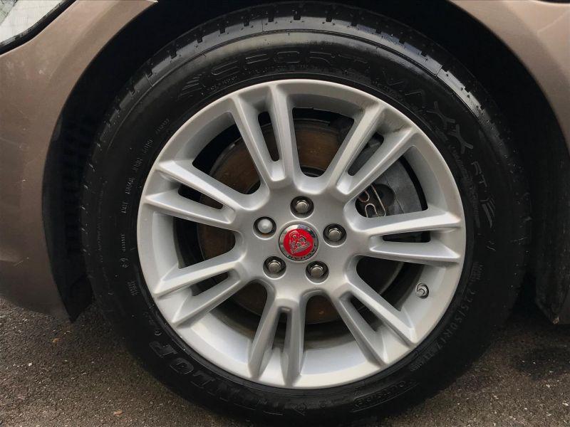 2016 Jaguar XE 2.0 image 3