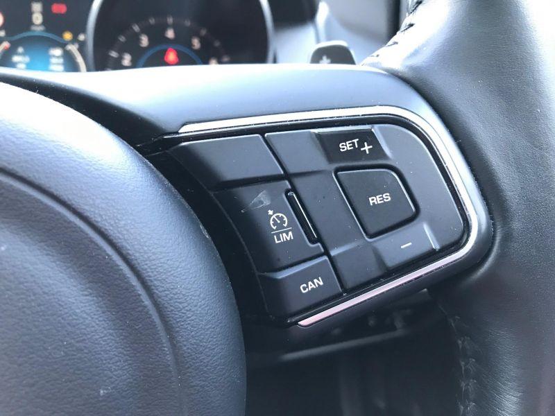 2016 Jaguar XE 2.0 image 8