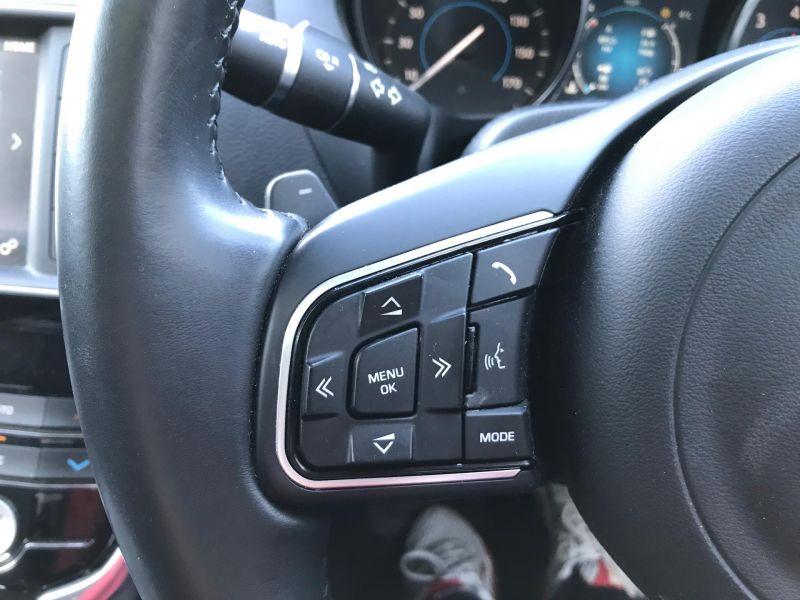 2016 Jaguar XE 2.0 image 9