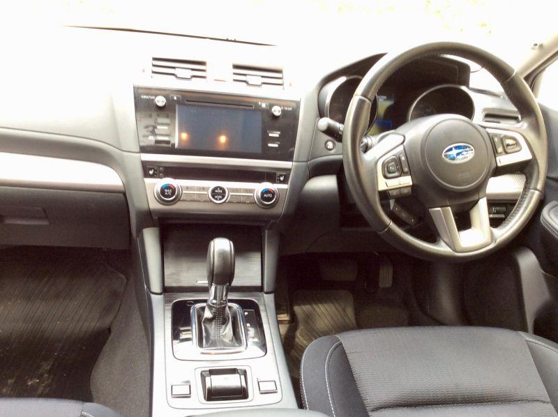 2015 Subaru Outback 2.0D SE 5dr image 5