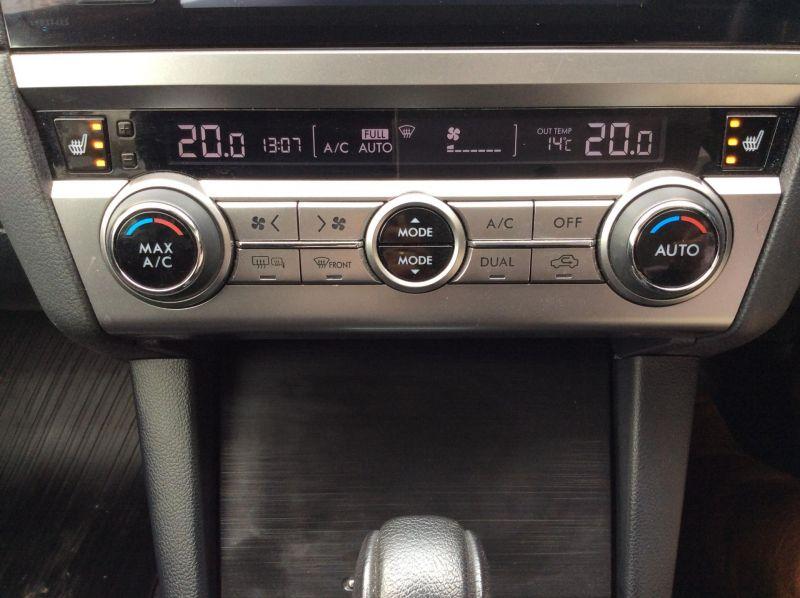 2015 Subaru Outback 2.0D SE 5dr image 9