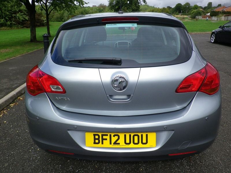 2012 Vauxhall Astra 1.4 5dr image 3