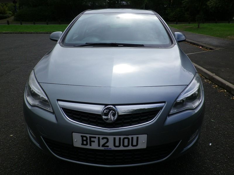 2012 Vauxhall Astra 1.4 5dr image 5