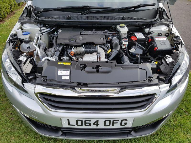 2015 Peugeot 308 1.6 HDi 5dr image 10