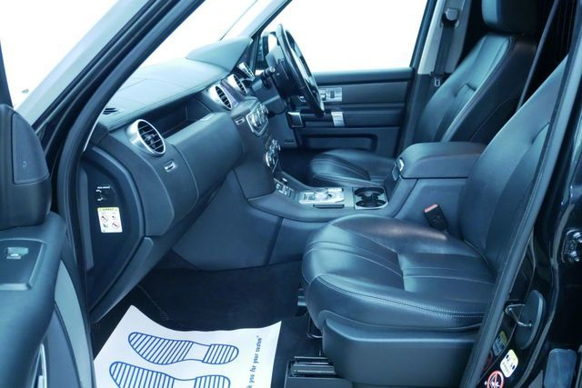 2015 Land Rover Discovery 3.0 image 11