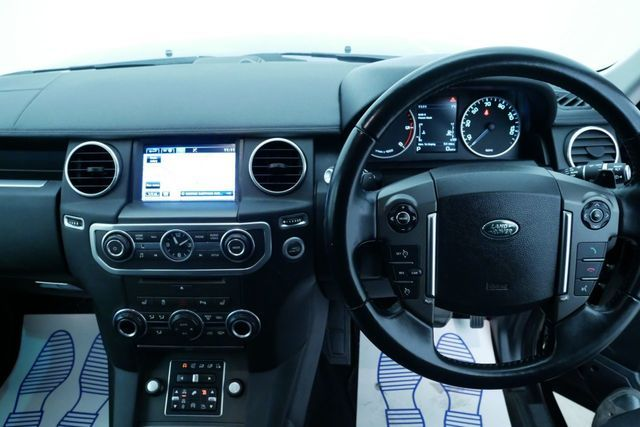 2015 Land Rover Discovery 3.0 image 12