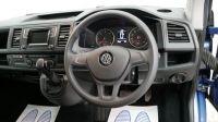 2017 Volkswagen Transporter Shuttle 2.0 T32 TDI image 13