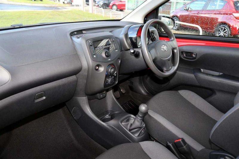 2016 Toyota Aygo VVT-I X image 2
