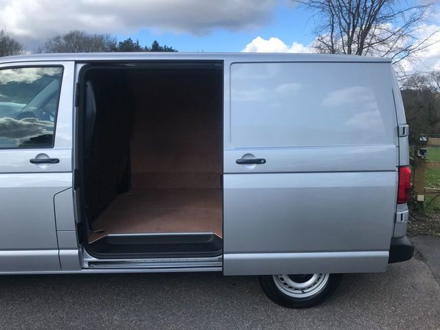 2018 Volkswagen Transporter 2.0 T28 Tdi image 11