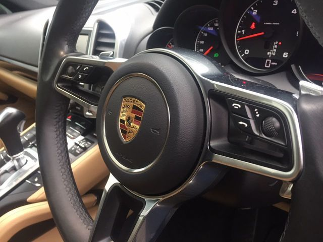 2016 Porsche Cayenne 3.0 D V6 Tiptronic S 5dr image 11