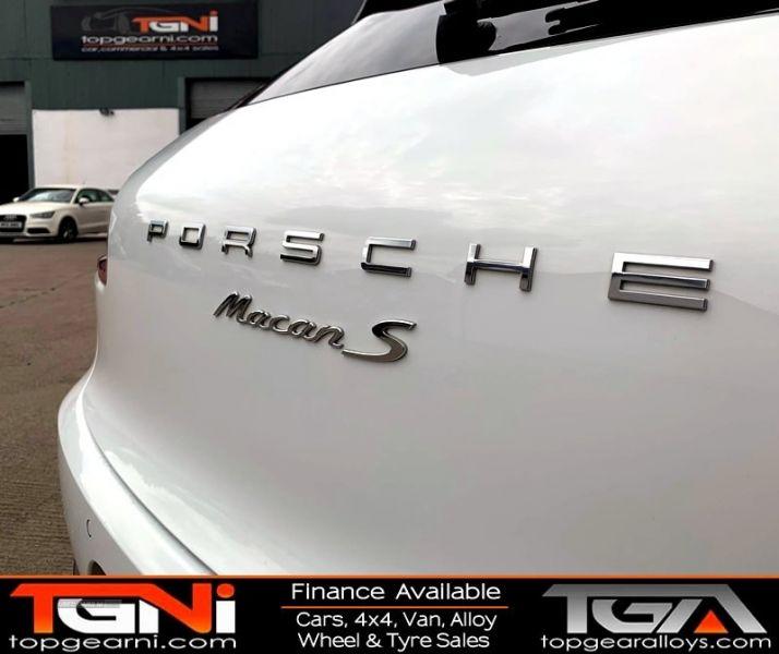 2014 Porsche Macan S D S-A image 6