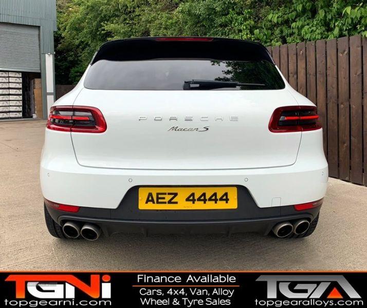 2014 Porsche Macan S D S-A image 9