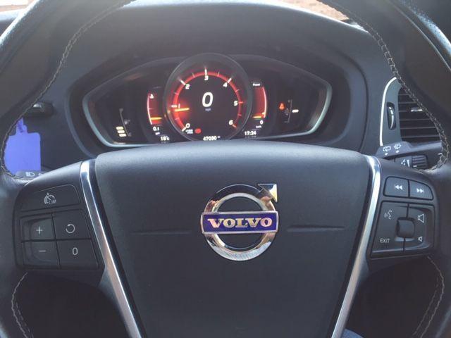 2016 Volvo V40 2.0 D3 R-Design Nav 5dr image 12