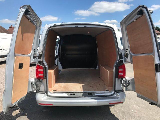2018 Volkswagen Transporter 2.0 T30 Tdi image 11
