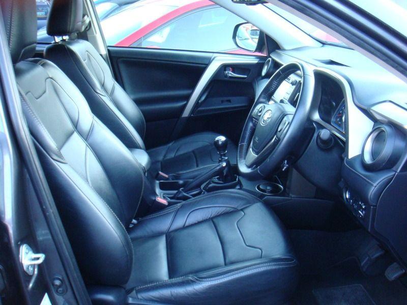 2014 Toyota RAV4 D-4D ICON AWD image 7