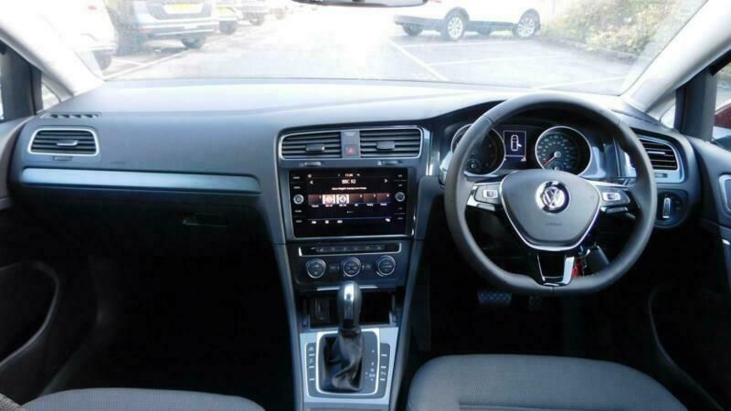 2019 Volkswagen Golf 1.5 TSI EVO image 9