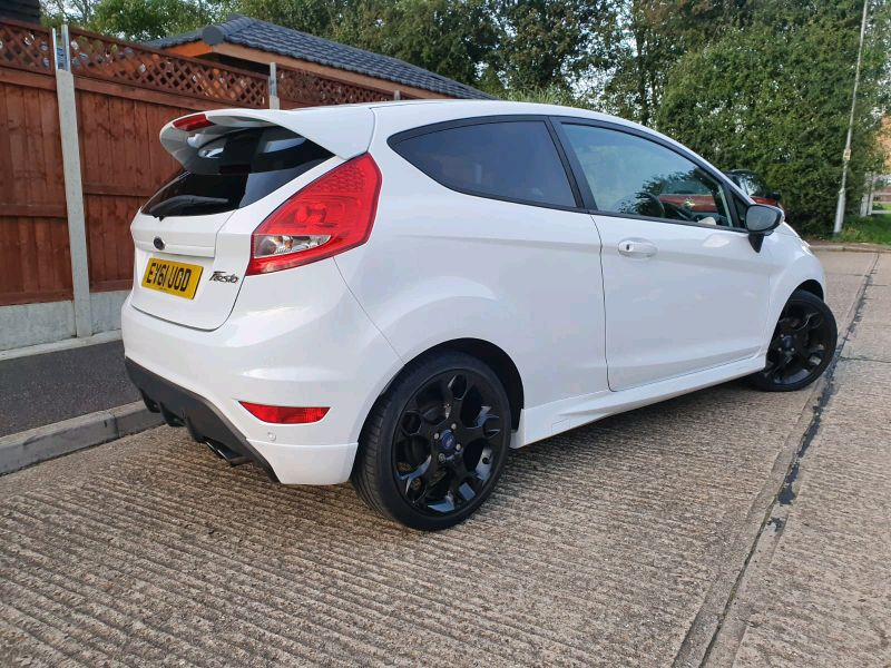 2011 Ford Fiesta 1.6 image 4
