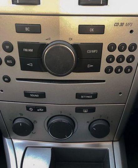 2009 Vauxhall Astra 1.7 CDTi ecoFLEX SXi 5dr image 4