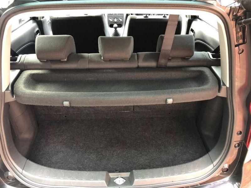 2010 Vauxhall Agila 1.2 i 16v Design 5dr image 3