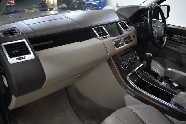 2010 Land Rover Range Rover 3.6 Tdv8 Sport Hse 5dr image 10