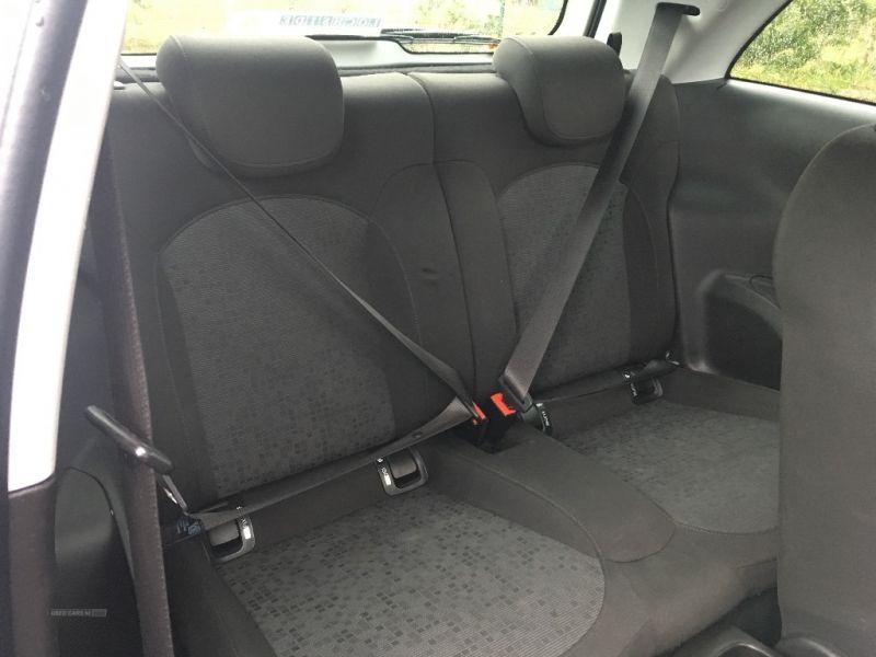2014 Vauxhall Adam 1.2i ecoFLEX 3dr image 5