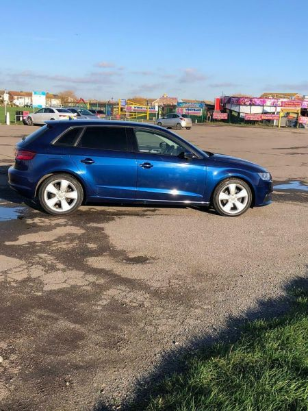 2013 Audi A3 Sport Back image 3