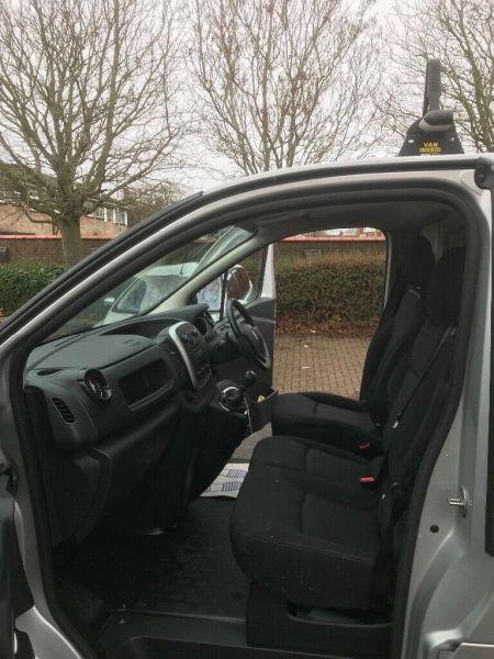 2015 Vauxhall Vivaro image 6